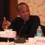 Mombamomba ny mpanoratra Ephraim Percy Kenyanito
