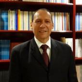 Dr. Alejandro Cárdenas