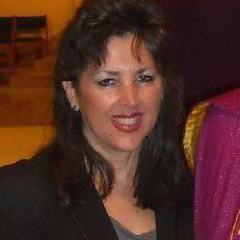 Peggy Clores