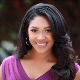 Alexandra Lewis   Q13 FOX News
